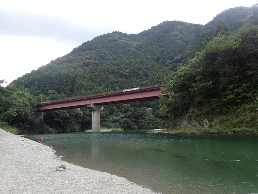 宮崎の河原キャンプ場の河原からみた景色