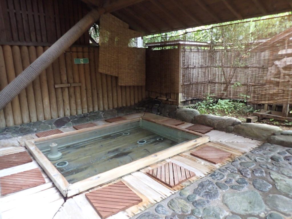 中津渓谷 ゆの森 露天風呂