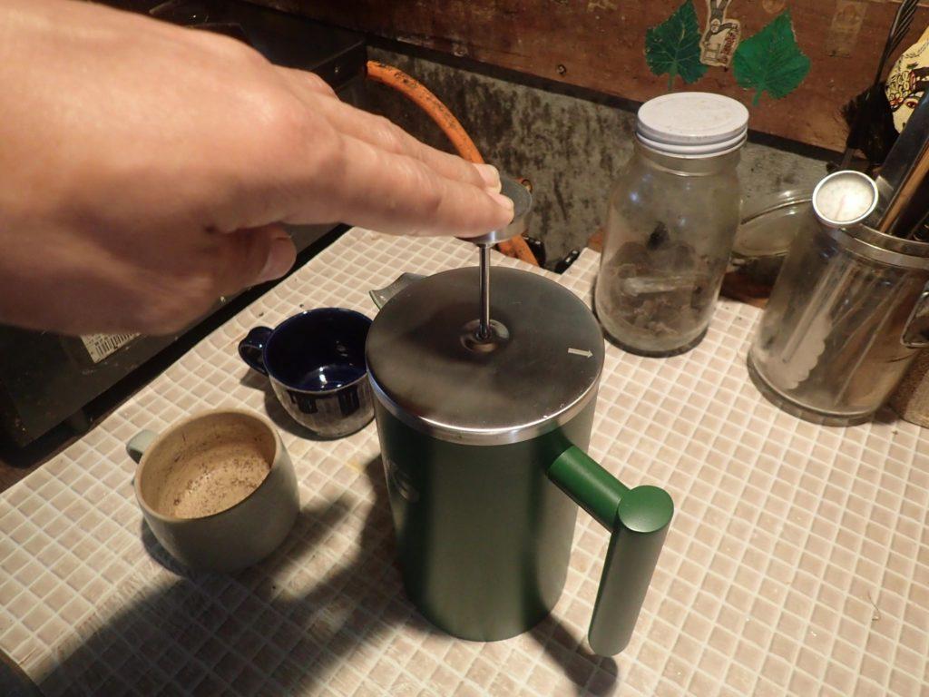 ステンレス製のフレンチプレス「Coffee Gator」